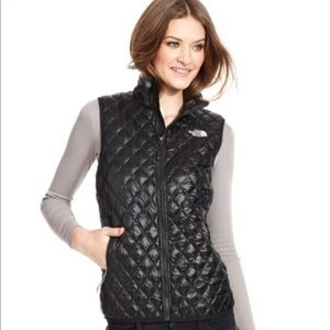 The North Face Black Quilted Women's Vest L